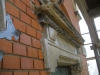 Fenster mit Schmuckgiebel, vor Sanierung